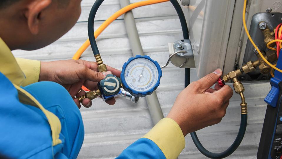 Báo giá Dịch Vụ Bơm Gas, Nạp Ga Máy Lạnh Tại Nhà TPHCM